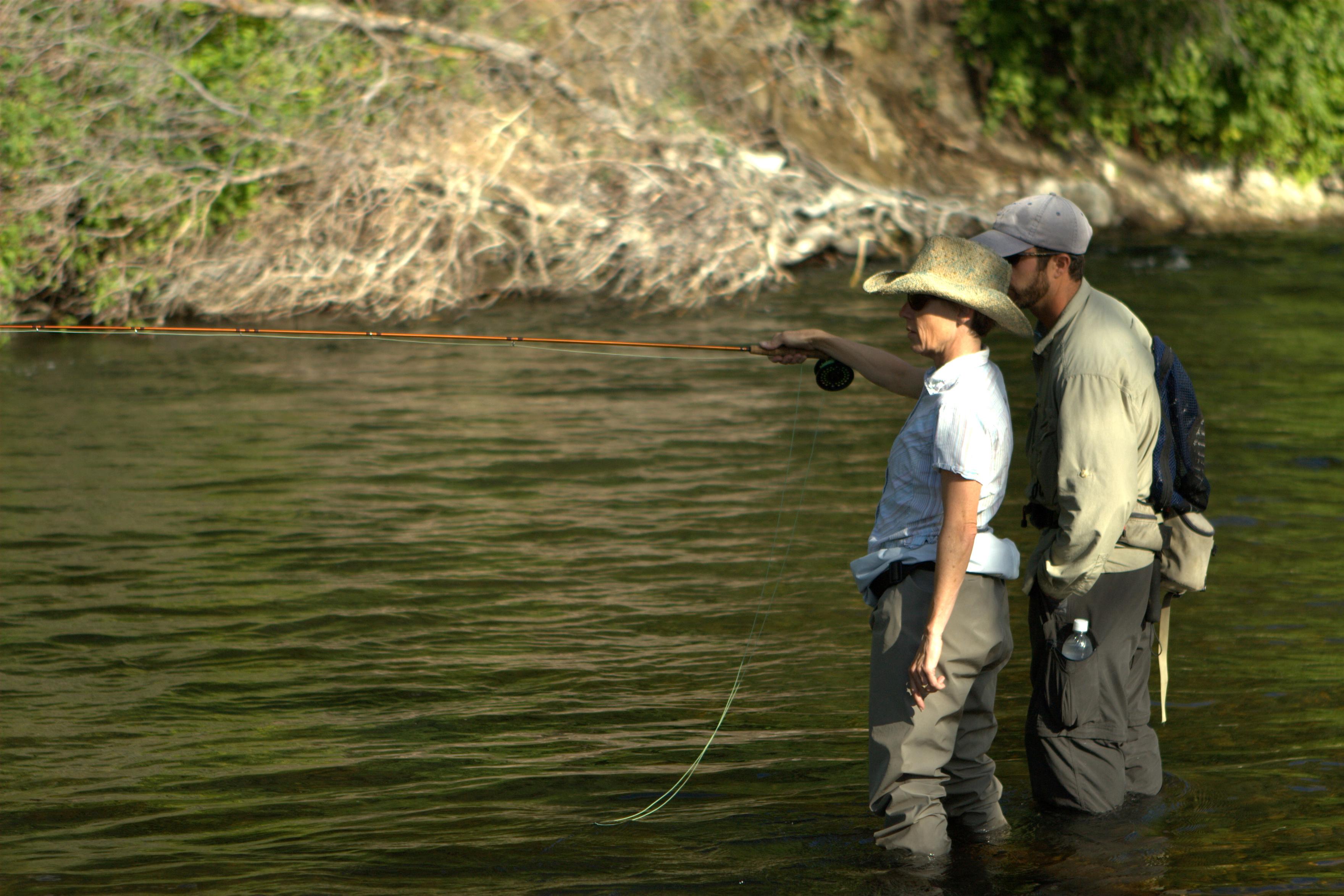 Apprendre à pêcher avec un guide de pêche