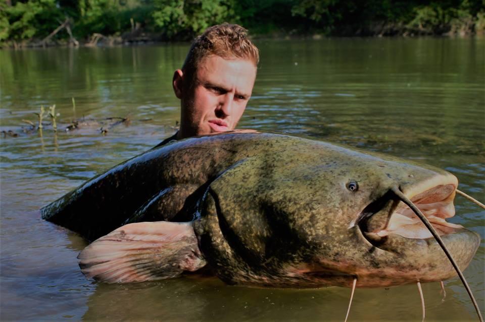 Mathieu Colzato, guide de pêche du silure