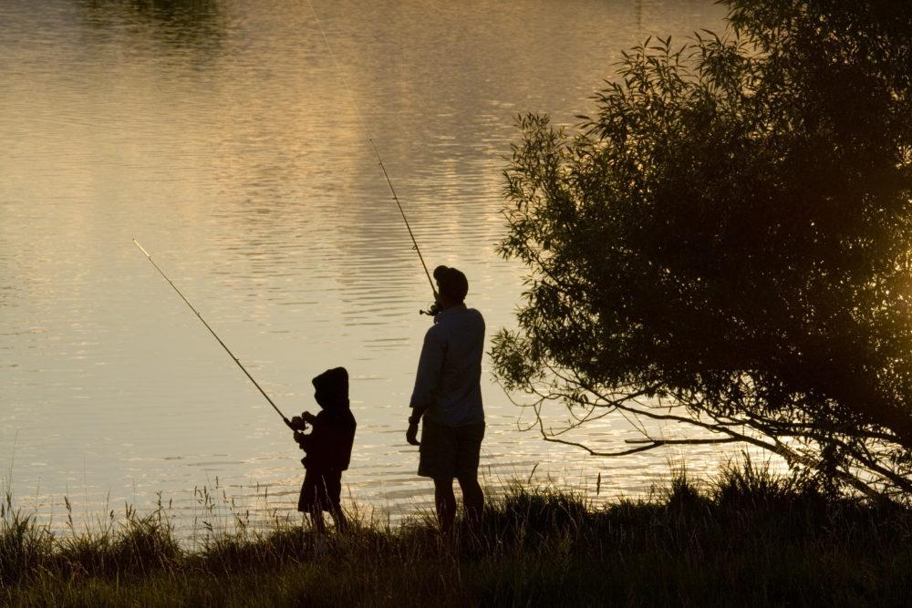 Apprendre à pêcher à ses enfants
