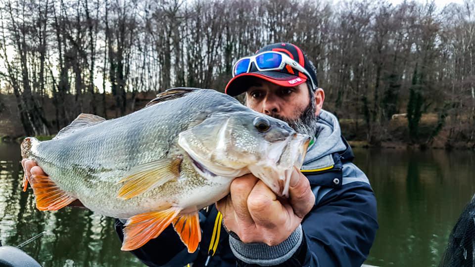 Cécrick Plasseau guide de pêche perche