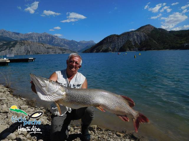 Top 9 : Brochet record de 134,8 cm pris Vincent Guion au lac de Serre Ponçon